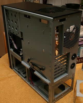 Antec P182 right side